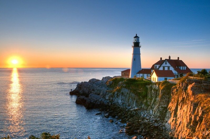 Maine's Coast and Historical Lighthouses